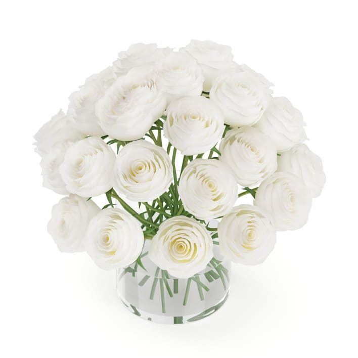 3d White Roses in Glass Vase